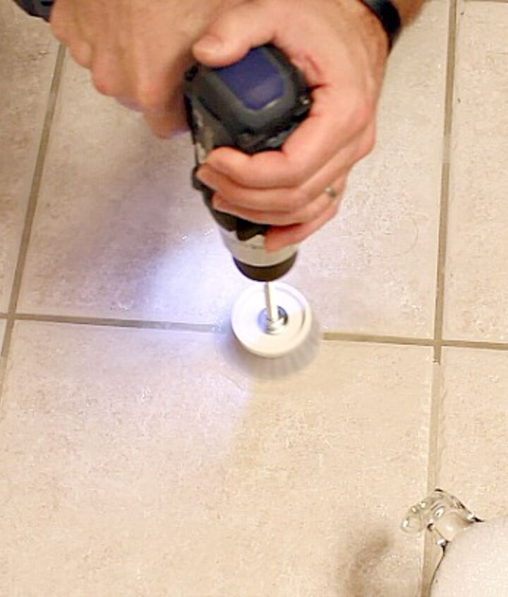 Using the GroutGrime Buster 3000