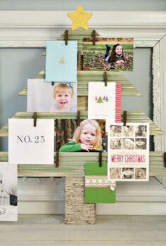 diy christmas card photo display, crafts, seasonal holiday decor, displaying Christmas cards and photos during the holidays