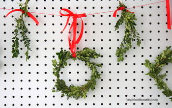 diy boxwood mini wreaths, crafts, seasonal holiday decor, So easy to make and you can hang it anywhere