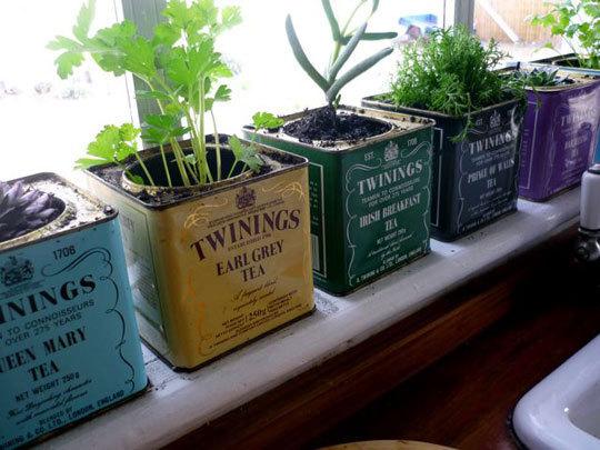 http://www.apartmenttherapy.com/5-inspiring-kitchen-gardens-fo-110463