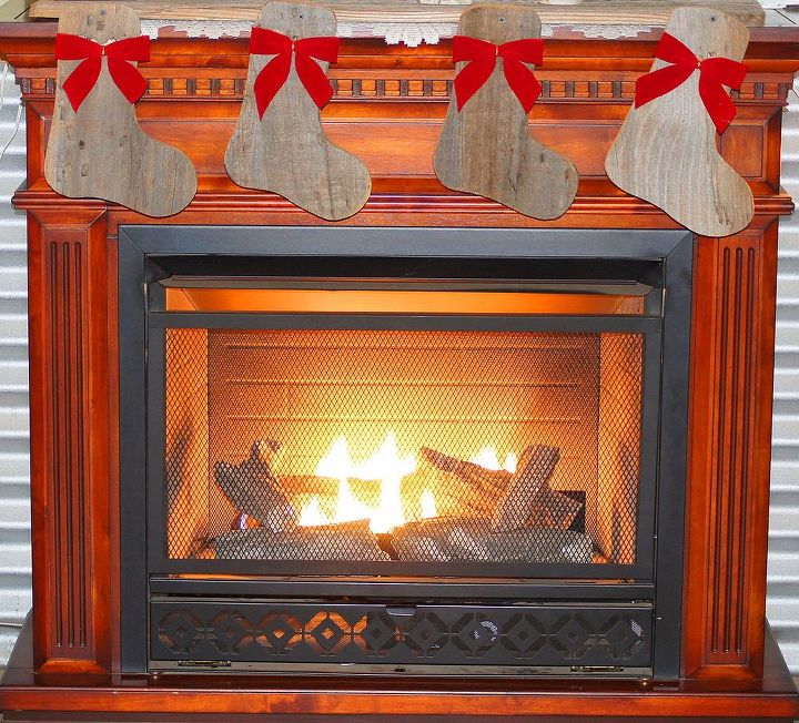 our christmas mantle, crafts, fireplaces mantels, seasonal holiday decor