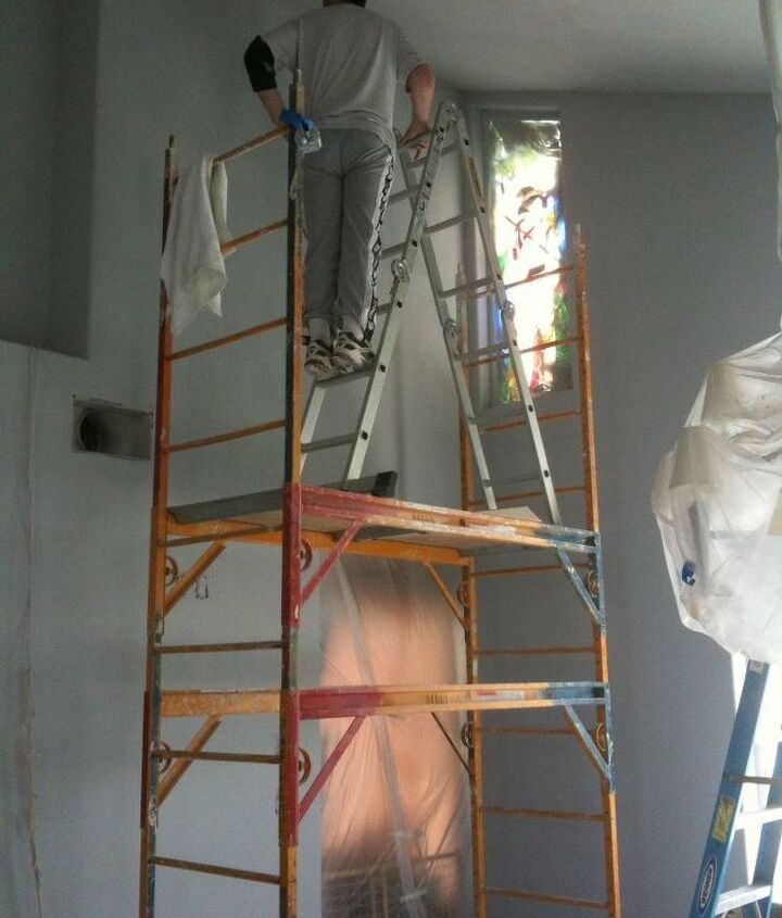 Painting 19' ceillings and walls (don't try this at home)