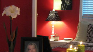 q my granddaughter wants to paint her bedroom red, painted furniture