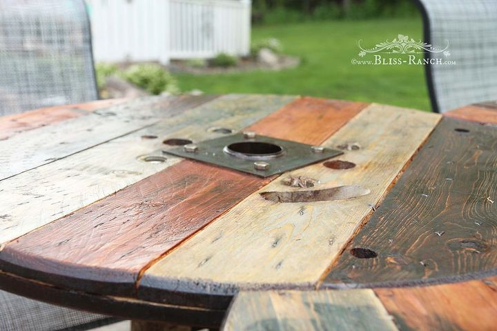 wood spool patio table, diy, outdoor furniture, painted furniture, woodworking projects