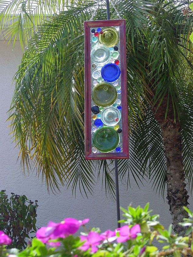 "cut off bottle bottoms n used picture frames, marbles, nuggets etc Dalle D Verre ""Bottoms Up"" Upcylcing Stain Glass Feel"