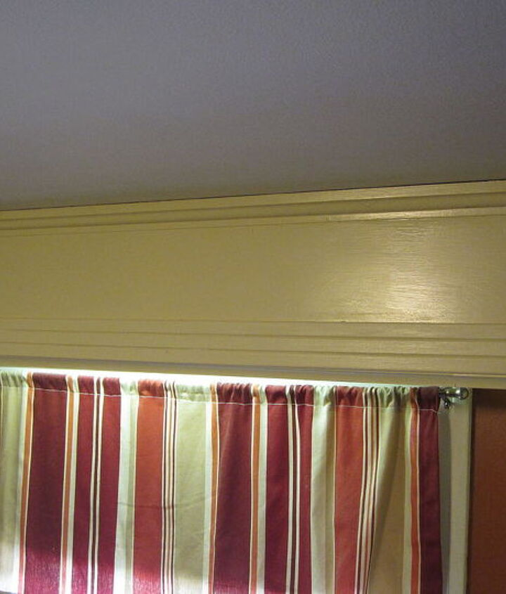 scalloped trim above kitchen sink, home maintenance repairs, wall decor
