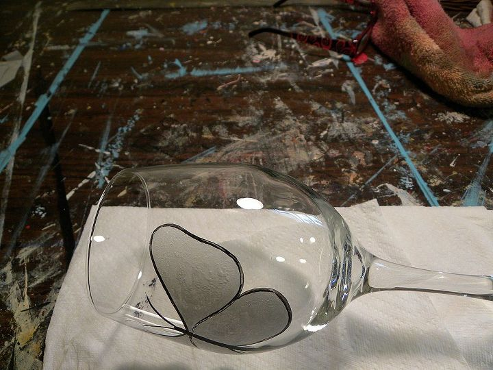 Using the mid liner brush #2 and black paint, outline the butterfly wings with two coats. Allow drying 5 minutes between applications. I find it to be easier to do this step if I lay the glass down.