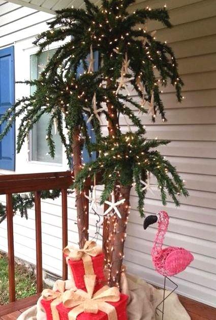 Outdoor Christmas palm tree.