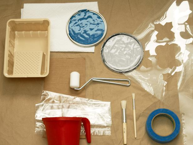 learn how to stencil a fun pattern on your ceiling, painting, wall decor