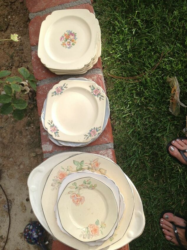 can anyone identify these pieces please, repurposing upcycling, These are HL but only orange is stamped Second selection I m guessing like the fiesta harlequin comparisons