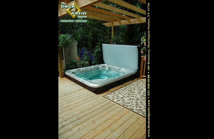 Cedar deck with Bullfrog Hot tub