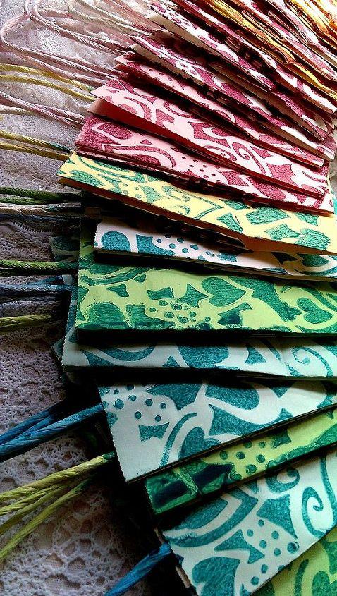 transforma las bolsas de papel en bolsas de fiesta unicas y divertidas, Sencilla t cnica de estampaci n DIY para crear estas exclusivas bolsas de fiesta