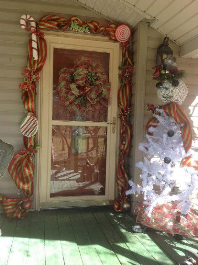 christmas tree snowman and door decorations, christmas decorations, seasonal holiday decor