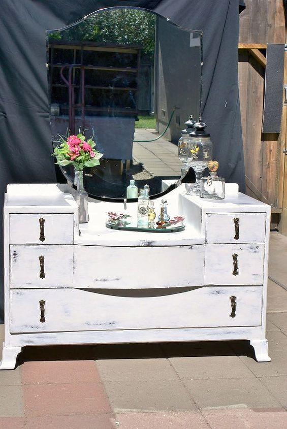 shabby chic vanity so cute, painted furniture, shabby chic