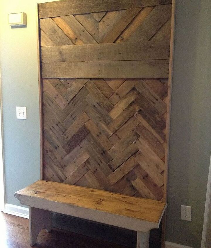 diy pallet hallway tree, diy, pallet, repurposing upcycling, woodworking projects, Here it is in the house unaccessorized I placed a small bench in front to complete the look