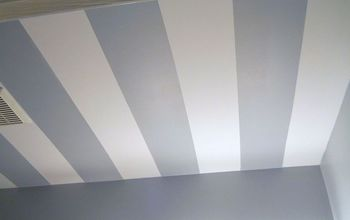 Striped Bathroom Ceiling