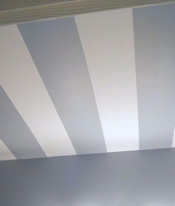 striped bathroom ceiling, painting, wall decor