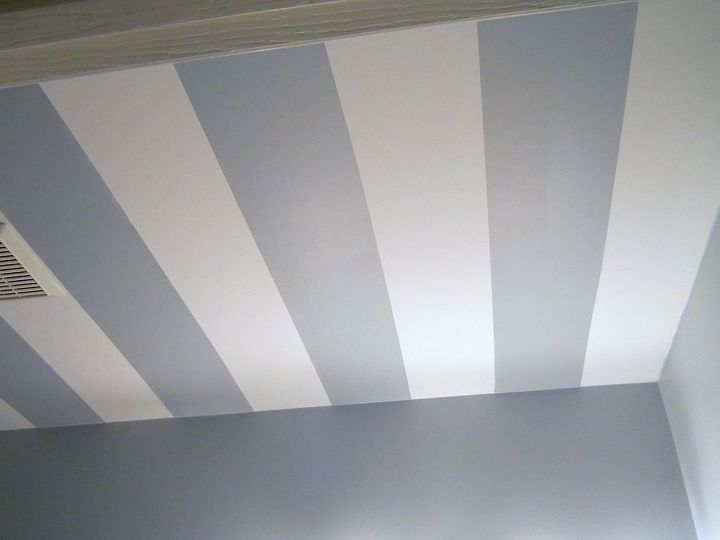 striped bathroom ceiling, painting, wall decor