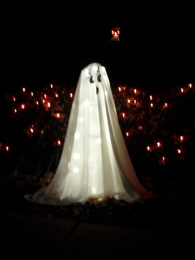 tomato cage ghost, halloween decorations, repurposing upcycling, seasonal holiday d cor