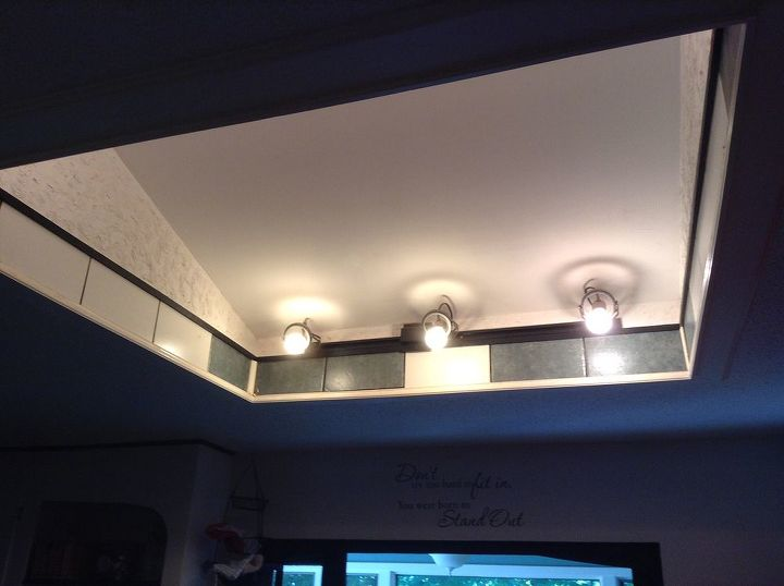 q i need some suggestions for this odds ceiling area please help, home decor, home improvement, painting