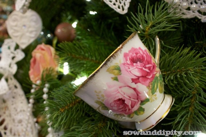 The Grantham ladies drink plenty of tea, so some antique tea cups were a must have item on this tree