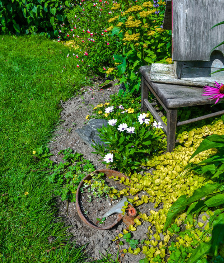 how to edge flower beds like a pro, flowers, gardening, This was the before Does this look more like what you have in your own yard Let s fix this right up