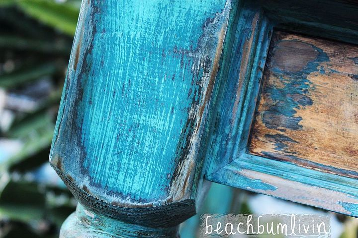 http://beachbumlivin.com Several different colors of paint layered then distressed.