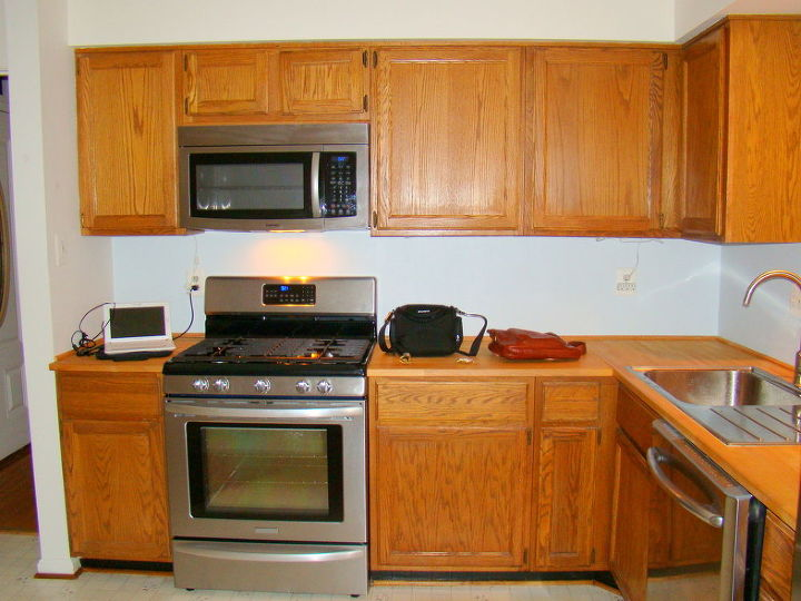 kitchen facelift the power of white paint, kitchen design, painting, Eryn s Kitchen Before