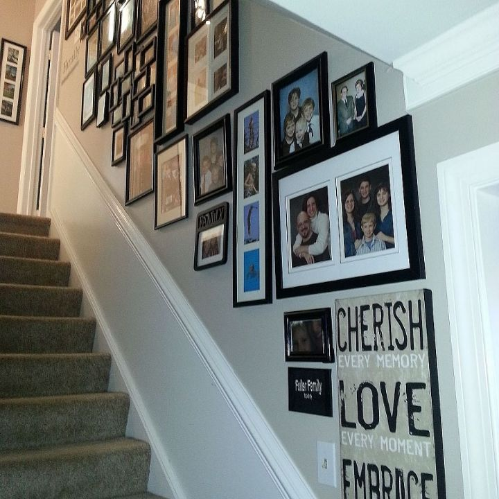 stairway gallery wall, home decor, stairs, Looking up
