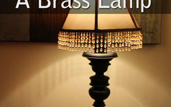 Lamp Makeover: How to Spray Paint a Brass Lamp