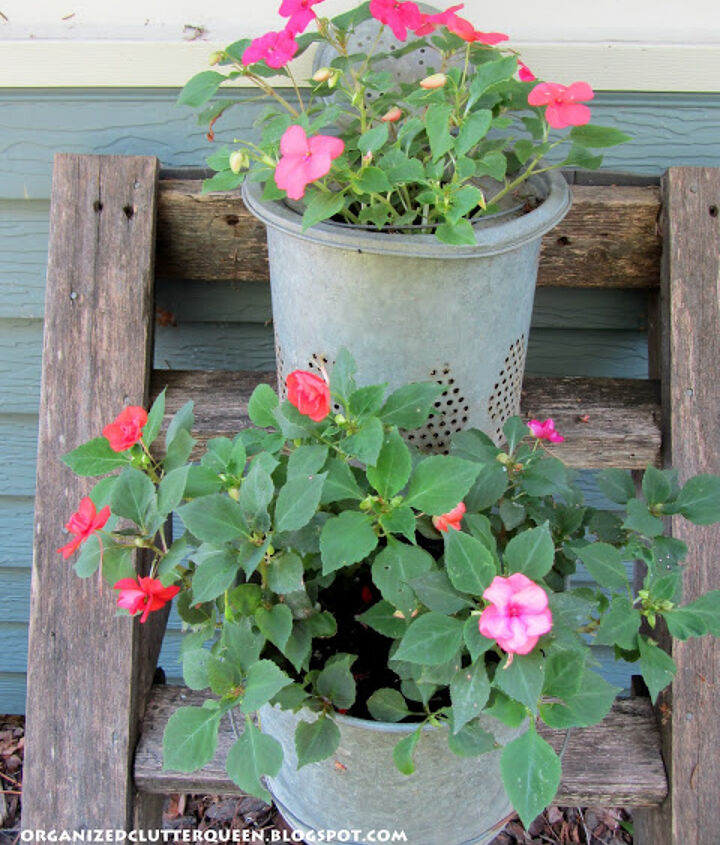 Here are some impatiens planted in a metal minnow bucket and the bucket insert.  Holes were punched in the bottoms for drainage.