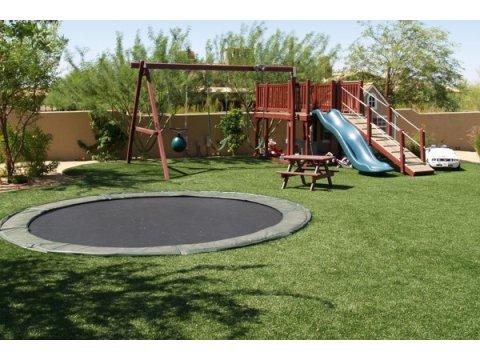 http://www.usgrassandgreens.com/indoor-putting-greens.php