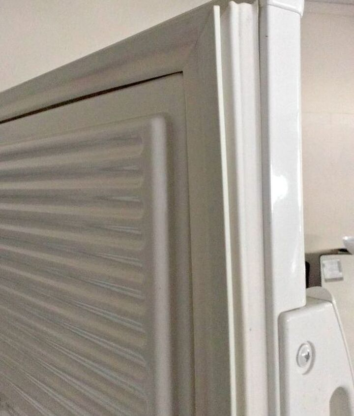 Clean the door gasket with warm soapy water.