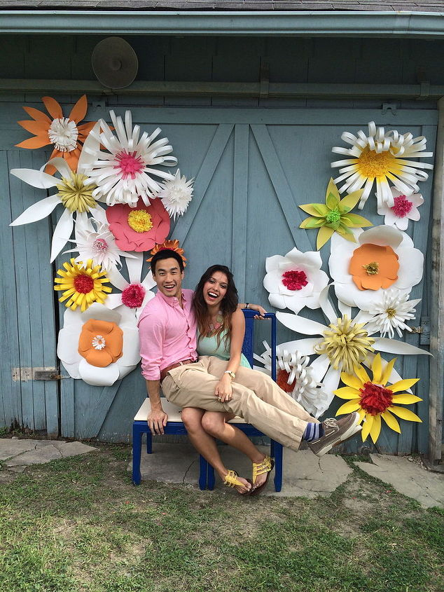 Giant paper flowers for an outdoor wedding hometalk giant paper flowers for an outdoor wedding crafts wreaths my daughter her boyfriend mightylinksfo Images