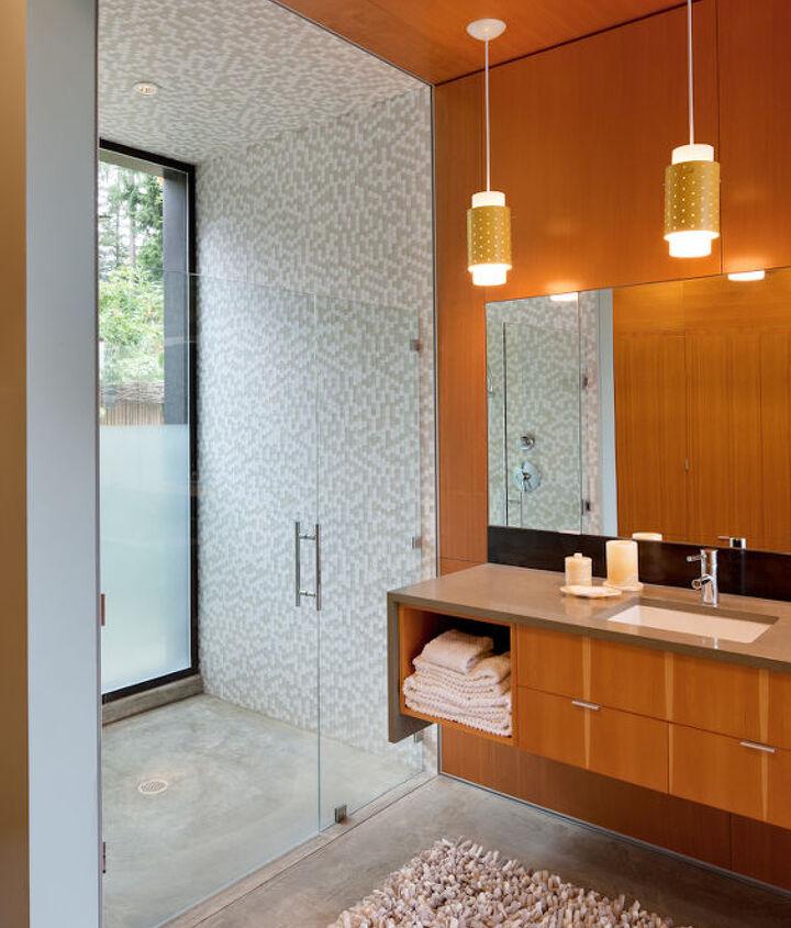 Master Bathroom _ Ellis Residence, Coates Design Architects, Seattle (photo by Lara Swimmer)