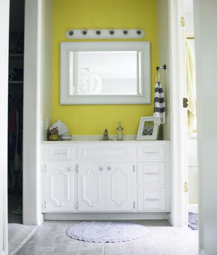 grouted vinyl peel stick tile, bathroom ideas, diy, flooring, how to, tile flooring, tiling, Bathroom as it is now