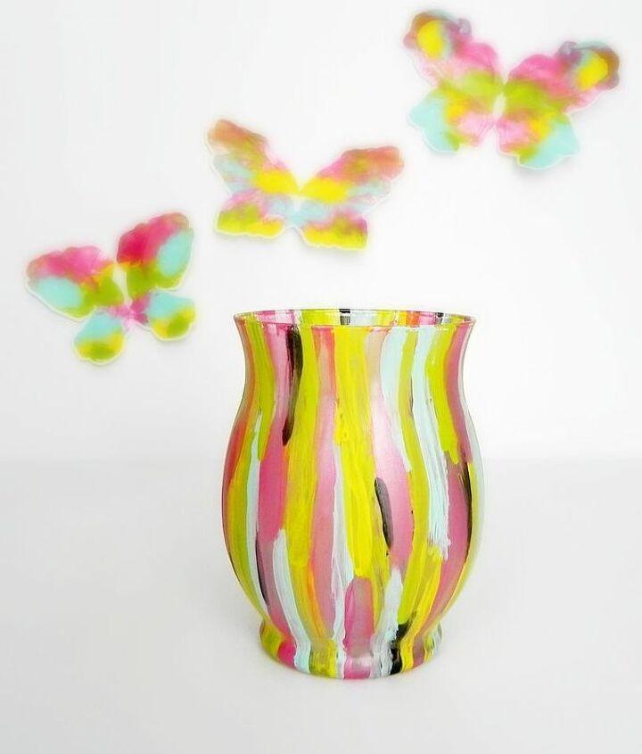 The vase looks lovely empty or full of Spring blooms!  http://www.madincrafts.com/2013/02/fashion-designer-inspired-spring-vase.html