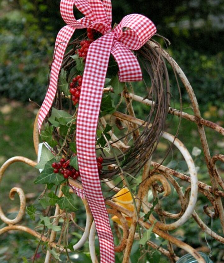 A small grapevine wreath with berries was added to the top