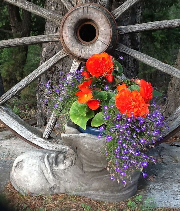 The Begonia & Libella Boot
