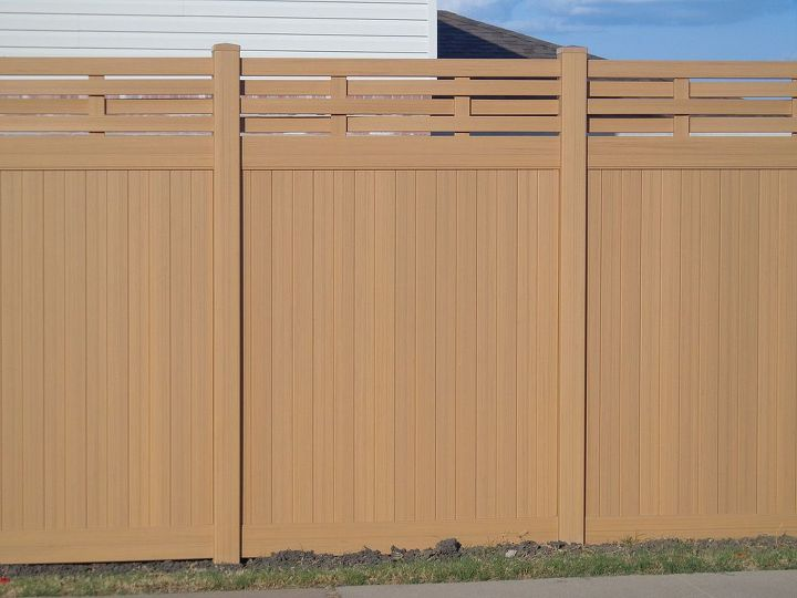 Future Outdoors offers 4 wood grain colors in vinyl privacy fences.  Natural Cedar, Redwood, Weathered Cedar and Chestnut Brown.  Future Outdoors serves all of DFW, Dallas and surrounding areas.  We install vinyl fencing. 972-576-1600