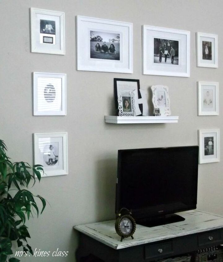 the entertainment/gallery wall