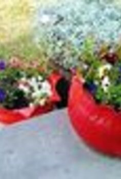 create a flower planter from an old tire, flowers, gardening, repurposing upcycling, Tire Flower Planters