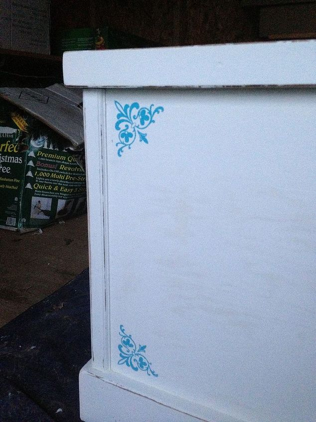 Then I added a few spots of color with the help of some Martha Stewart stencils.