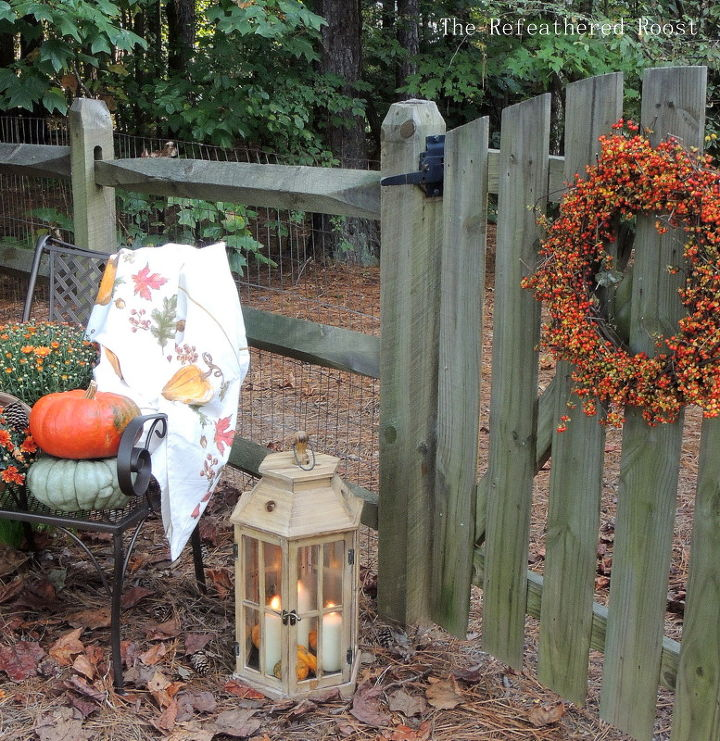 fall at the back gate, gardening, seasonal holiday d cor, wreaths