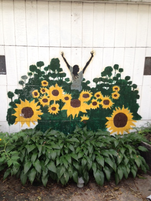 gardening is in my genes, gardening, The hosta bed under this mural gave it a 3D effect