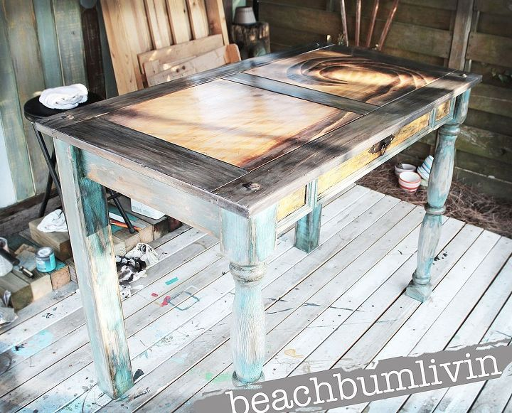 http://beachbumlivin.com Funky Distressed Desk with a Stained Design on Top