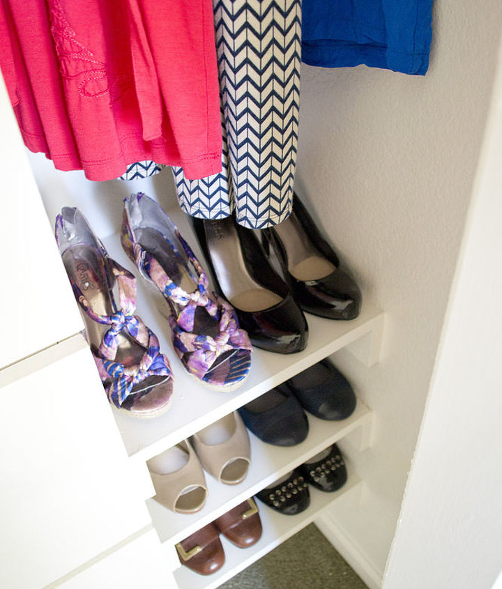 shoe storage with four pairs per shelf