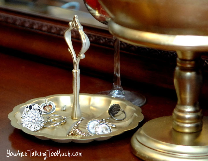 "thrift store trays? Now perfect for ""blingy"" things. http://www.youaretalkingtoomuch.com/2013/02/jewelry-organization-ideas/"