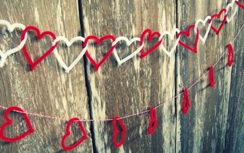 pipe cleaner heart garlands, crafts, seasonal holiday decor, You can link the hearts together or hang them on ribbon twine