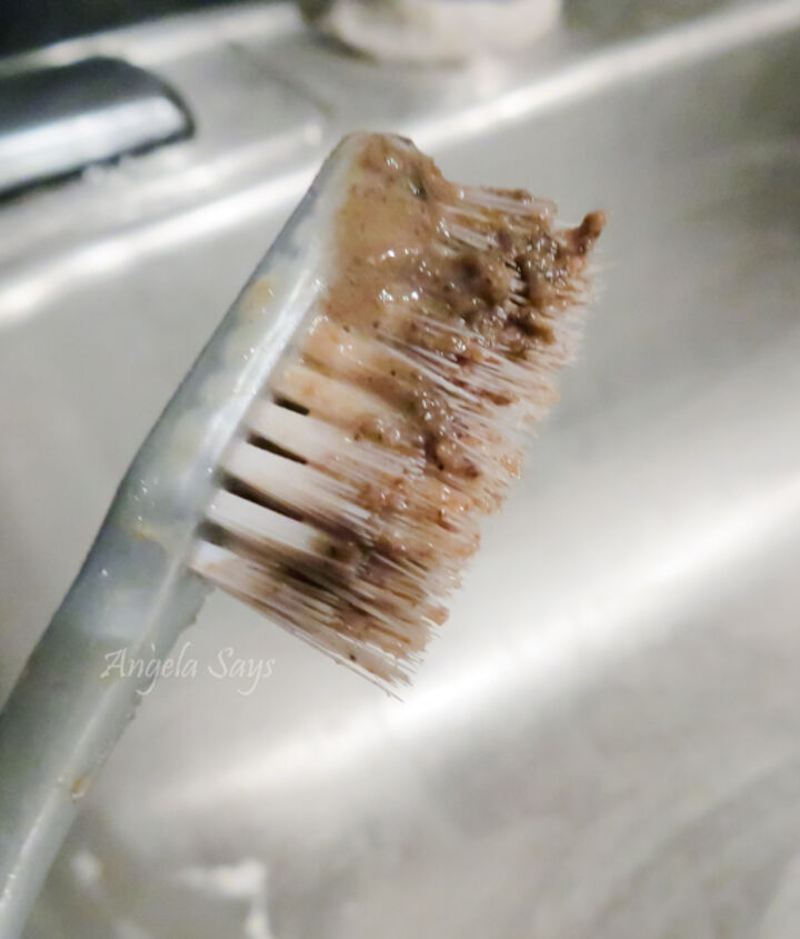 Nastiness from drain flap